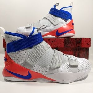 eb6bd3dbe2a5 Nike Lebron Soldier XI SFG Basketball Shoes